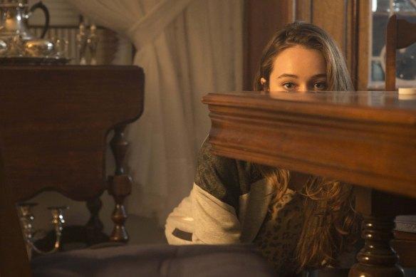 Alycia Debnam Carey as Alicia - Fear The Walking Dead _ Season 1, Episode 3 - Photo Credit: Justina Mintz/AMC