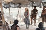 Emilia Clarke como Daenerys Targaryen 1