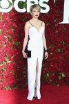 Michelle Williams viste un largo blanco diseño de Louis Vuitton