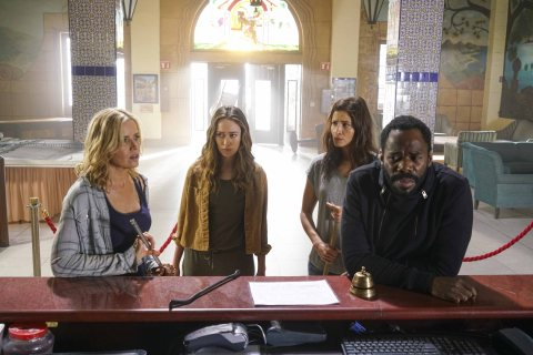 Colman Domingo as Victor Strand, Alycia Debnam-Carey as Alicia Clark, Mercedes Mason as Ofelia Salazar, Kim Dickens as Madison Clark - Fear The Walking Dead _ Season 2, Episode 9 - Photo Credit: Richard Foreman Jr/AMC