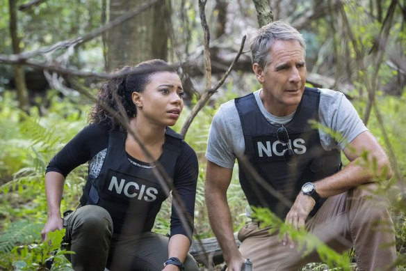 """""""Confluence"""" -- Special Agent Pride and Sonja are ambushed and on the run after traveling to Texas to escort a key witness, Marc Maslow (Jay Thomas), for the trial of an infamous arms dealer that Pride apprehended, on NCIS: NEW ORLEANS, Tuesday, Nov. 10 (9:00-10:00 PM, ET/PT), on the CBS Television Network. Pictured L-R: Shalita Grant as Sonja Percy and Scott Bakula as Special Agent Dwayne Pride Photo: Skip Bolen/CBS �©2015 CBS Broadcasting, Inc. All Rights Reserved"""