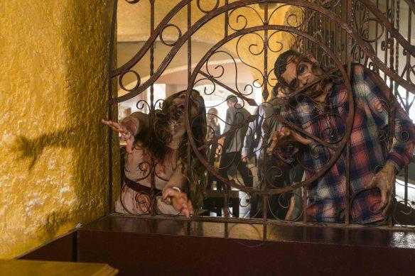 Infected - Fear The Walking Dead _ Season 2, Episode 10 - Photo Credit: Richard Foreman Jr/AMC